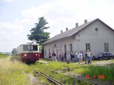Arrival at Dětenice Station