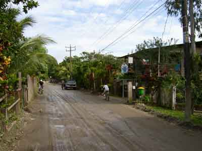 Omoa - main road