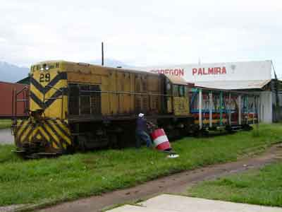 Passenger train in La Ceiba - filling up fuel